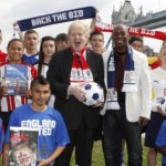 Ian Wright & Mayor Boris mark handover of England 2018 World Cup bid